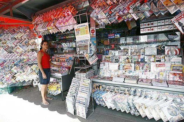 Portal Do Professor Visitando A Banca De Revistas