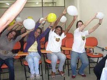 alonga com baloes